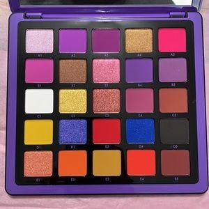 Norvina Pro Pigment Palette - 25 Shades!